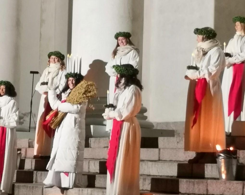 You are currently viewing Славная декабрьская традиция — День святой Люсии
