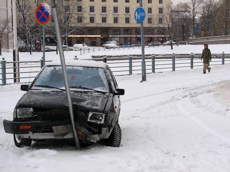 You are currently viewing Синоптики предупредили о сложной ситуации на дорогах Финляндии