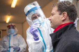 Лаборатории HUS смогут выдавать справки о негативном результате теста на COVID19