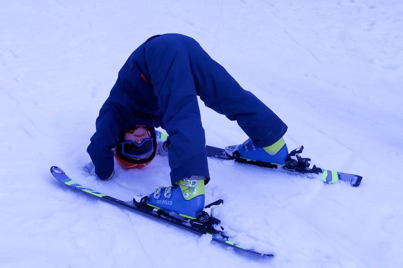 Read more about the article Достаем лыжи, санки и коньки