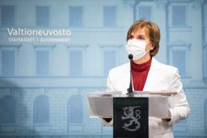 Правительство Финляндии провело консультации по вопросу введения комендантского часа