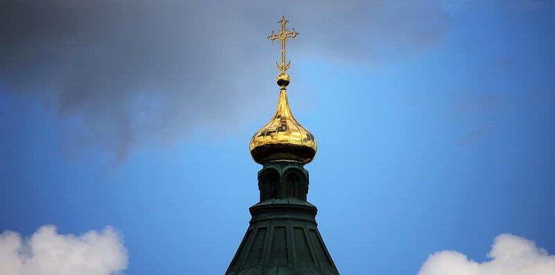 Эпидемия стала причиной пустых церковных залов и поводом для внедрения инноваций