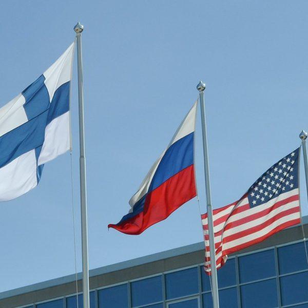 Финляндия приглашает президентов США и России