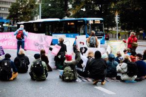 Read more about the article Протест в центре Хельсинки продолжается