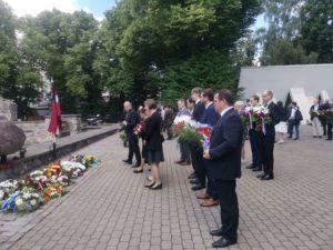 Read more about the article В Риге не забывают трагедию 3.7.1941.