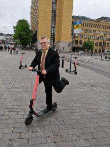 Read more about the article В Хельсинки запретят использование электросамокатов по ночам в выходные дни